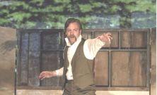 Gil Garratt as Robert Donnally