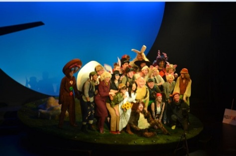 SHREK & his stage-mates revolving around his 'swamp'